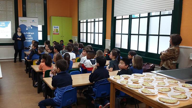 Estudiantes de A Coruña aprendieron a desayunar saludablemente