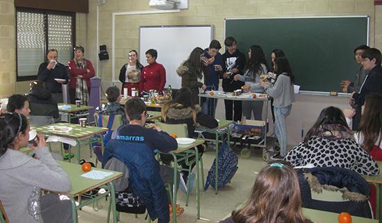 """AGACA e """"la Caixa"""" fomentan os almorzos sans en Pontevedra"""