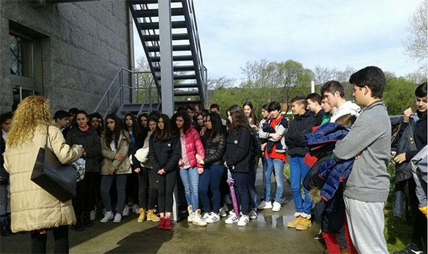 Setenta estudiantes lucenses descubren en Terra de Trasancos el funcionamiento de las cooperativas