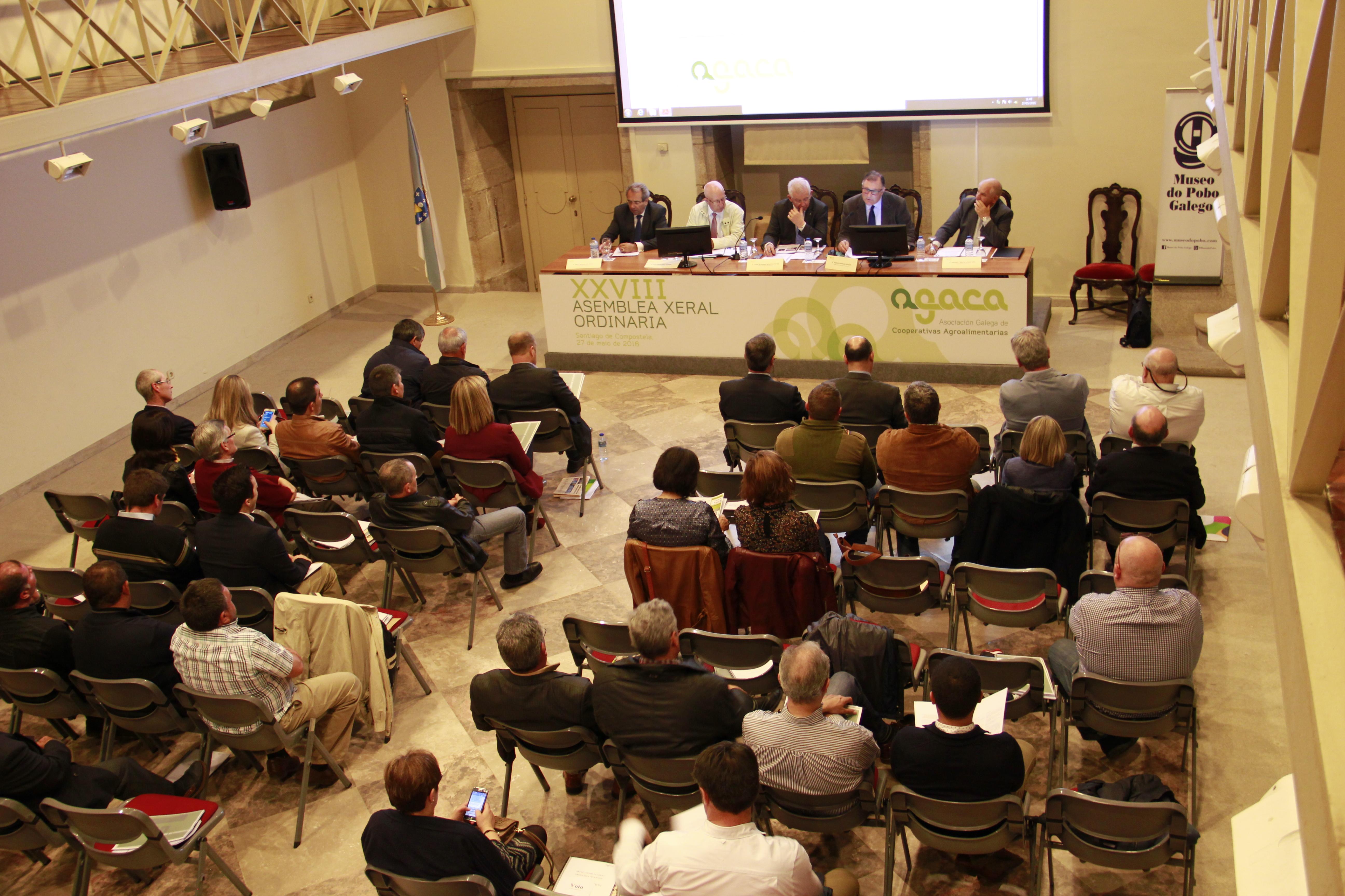 A inestabilidade do sector gandeiro, a aposta pola integración e as alianzas cooperativas, o reforzo da cultura empresarial e a continuidade das iniciativas sociais, temas centrais na 28º Asemblea Xeral de AGACA