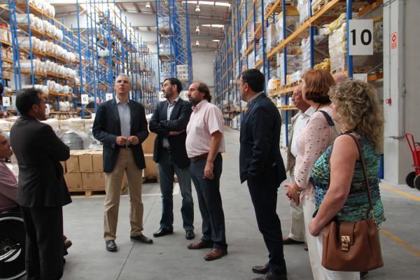 Francisco Conde destaca a faceta empresarial das cooperativas agroalimentarias na visita ao Complexo Industrial de Delagro S. Coop en As Pontes