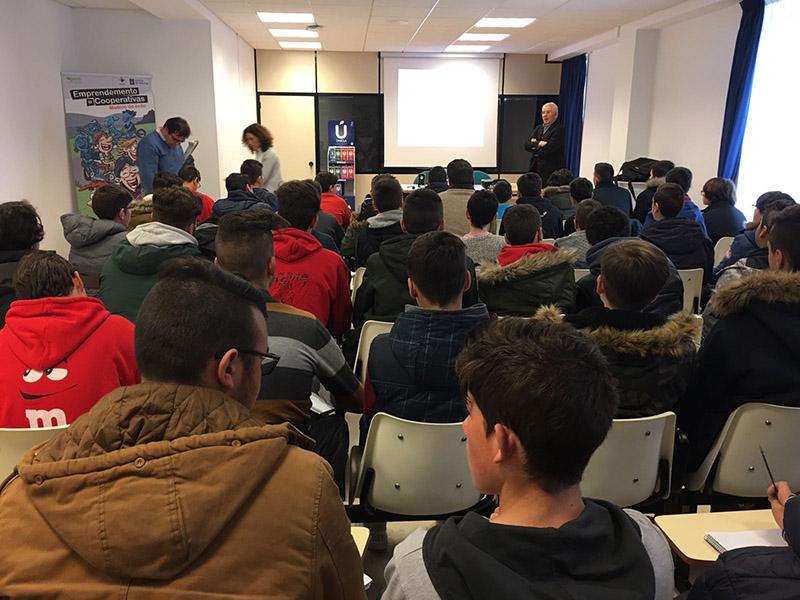 Feiraco e Casa Grande de Xanceda fomentan o cooperativismo entre estudantes con Rede Eusumo