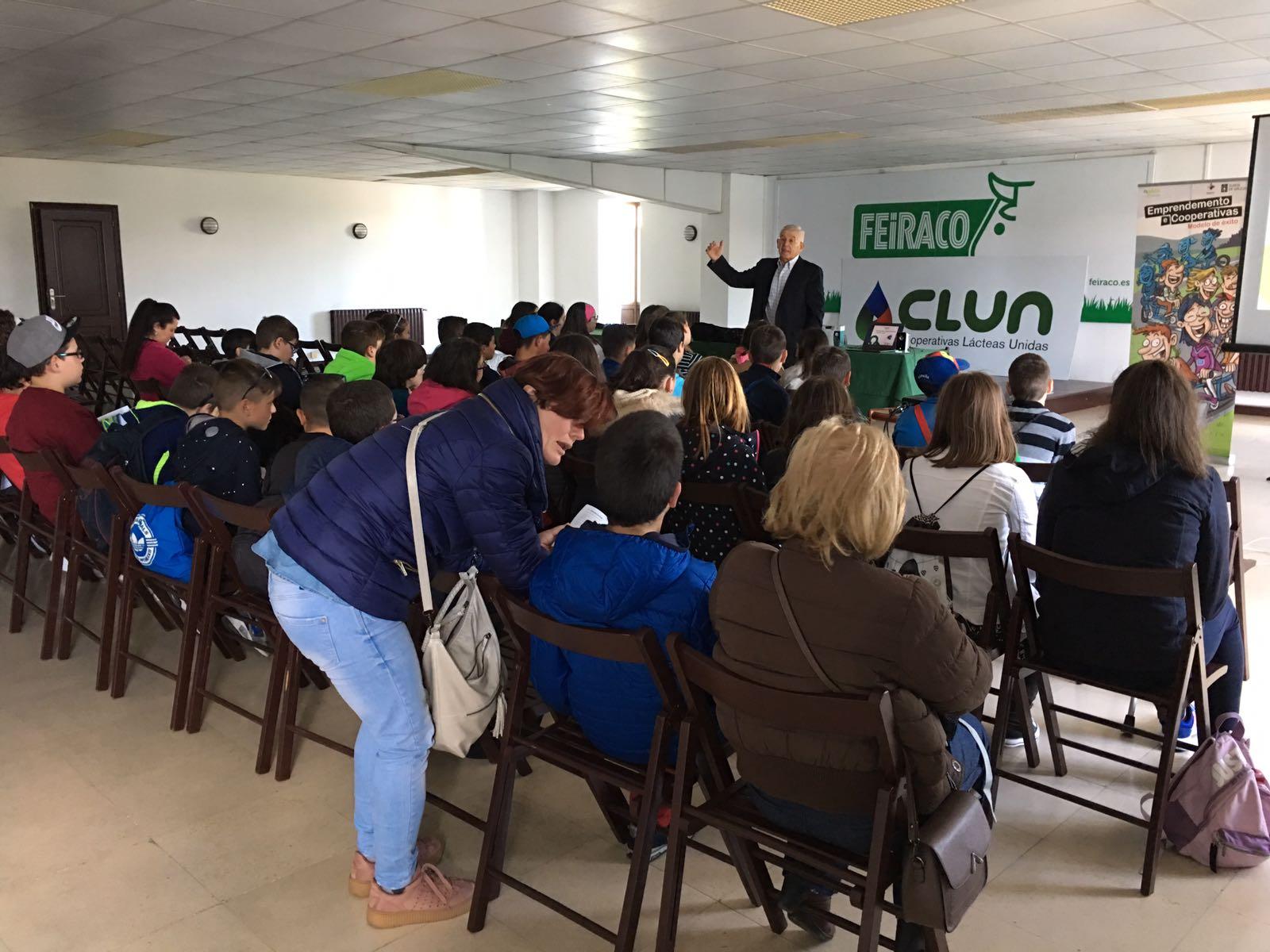 Rede Eusumo e AGACA promoven as vantaxes profesionais do cooperativismo con Xanceda e Feiraco