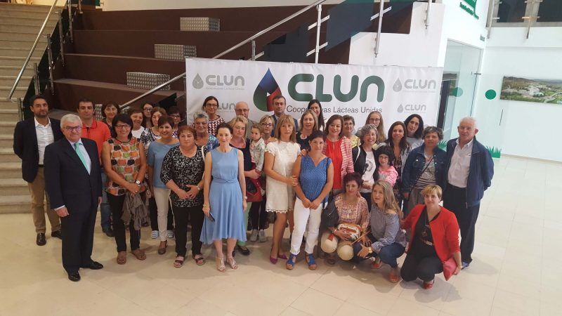 CLUN homenajea a sus socias con un encuentro con el grupo Mulleres de Seu