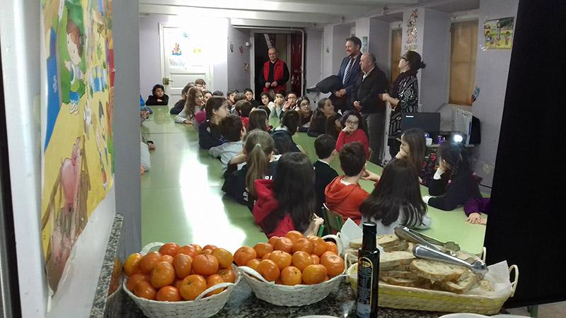 AGACA y Obra Social «la Caixa» educan sobre desayunos sanos a escolares en A Coruña