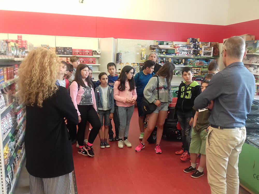 Escolares de O Corgo descubren las cooperativas en Trasancos