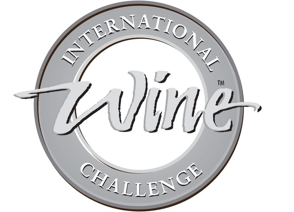 Viña Costeira recibe tres medallas y una recomendación en el International Wine Challenge