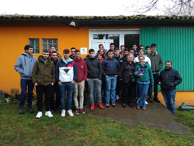 Milhulloa e Rede Eusumo presentan vantaxes do cooperativismo a estudantes