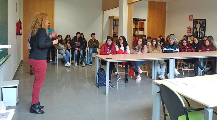 Terra de Trasancos mostra opcións de emprego a medio cento de estudantes de Vilalba