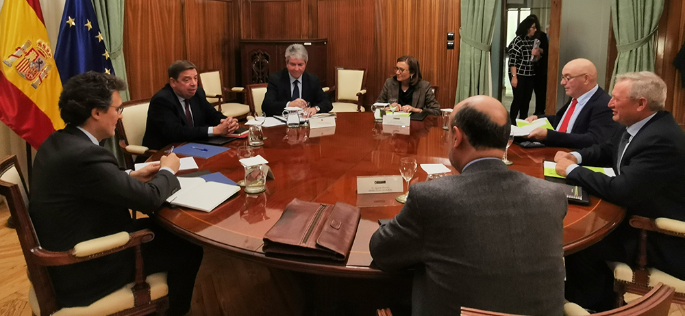 Cooperativas Agro-alimentarias satisfeita co apoio de Luís Planas ás políticas de integración cooperativa