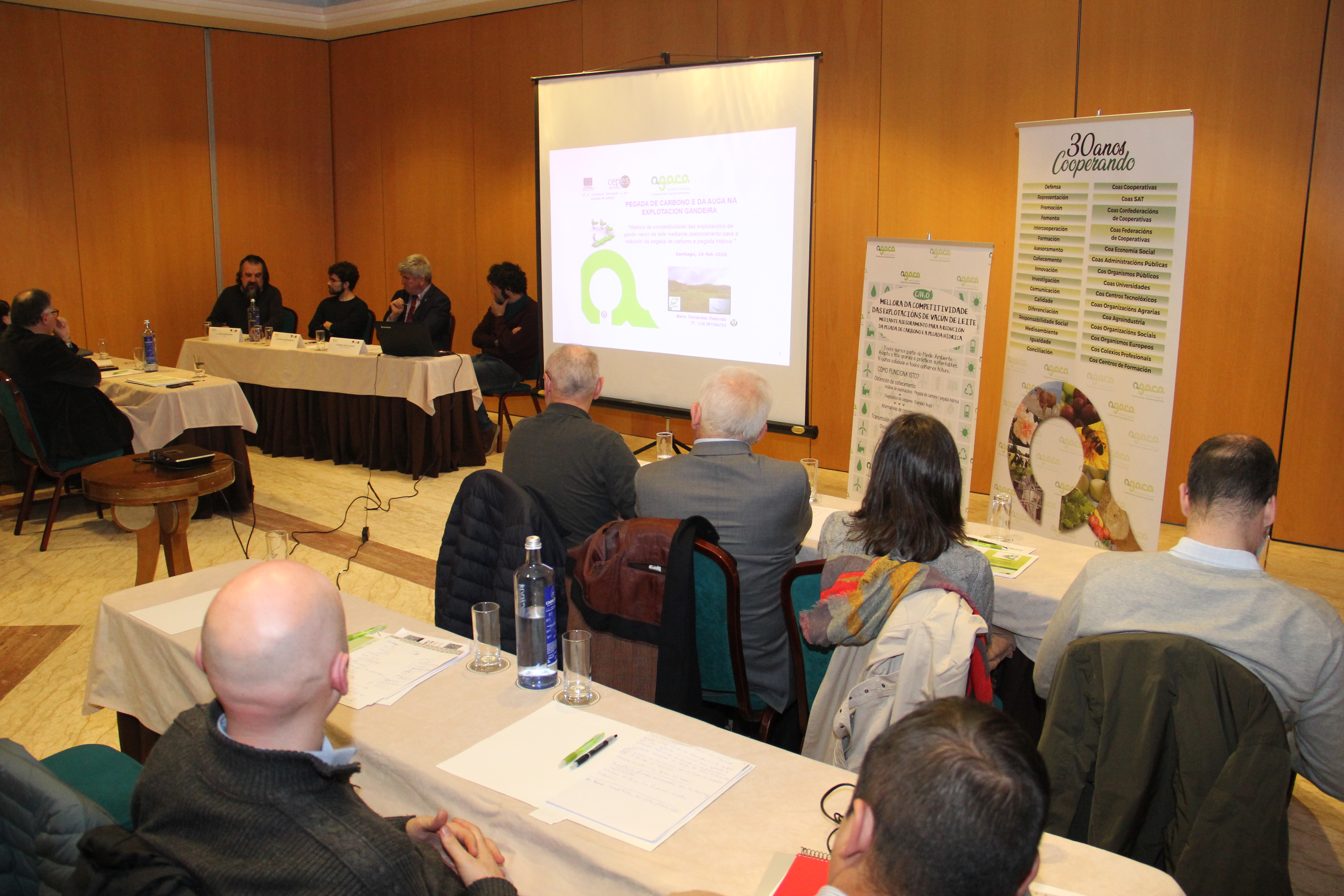 Agaca presenta resultados de un estudio sobre huella da agua y de carbono en la producción de leche, desarrollado en el marco de CEPES